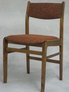 Myynnissä: 1kpl 1950-luvun pikkutuoli, verhoiltu uudelleen ajan henkeen! 80€. 50's chair for sale 80€! @ Verhoomo Vekki
