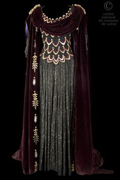 One of the most royal dresses I have ever seen.