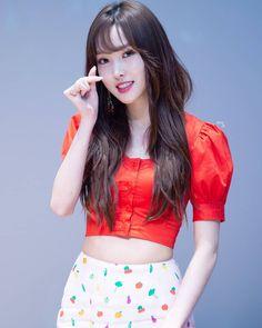 Kpop Girl Groups, Kpop Girls, Gfriend Yuju, Fairy Queen, Cloud Dancer, G Friend, Pop Group, Ultra Violet, Girlfriends