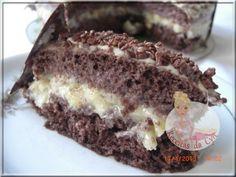 Bolo trufado de abacaxi, na massa de chocolate!!