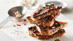 Deceptively simple, this salty-sweet toffee starts with a layer of Ritz™ crackers, followed by a buttery toffee and finished with chocolate and sprinkles.