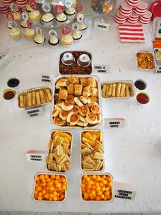 Robot Party Ideas - super cute robot snack trays!