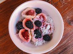 Ovocné knedlíky z tvarohového těsta. Zdravé a jednoduché. Oatmeal, Breakfast, Fitness, Food, The Oatmeal, Morning Coffee, Rolled Oats, Essen, Meals