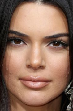 Close-up of Kendall Jenner at the 2018 Golden Globe Awards. Real Beauty, Beauty Women, Kendall Jenner Face, Instagram Vs Real Life, Close Up Faces, Eyelash Lift, No Photoshop, Celebrity Makeup, Golden Globes