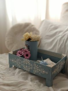 Diy Home Crafts, Wood Crafts, Decorated Shoes, Succulents Diy, Bottle Art, Decoupage, Upcycle, Recycling, Decorative Boxes