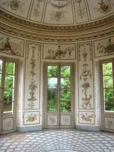 Marie-Antoinette's Music Salon