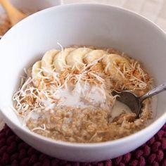 [Instant Pot] Creamy Coconut Steel-Cut Oats Recipe Desserts Breakfast and Brunch with coconut flakes steel-cut oats coconut milk water salt brown sugar cinnamon sticks Oats Recipes, Cooker Recipes, Healthy Recipes, Skinny Recipes, Yummy Recipes, Coconut Oatmeal, Coconut Milk, Oatmeal Yogurt, Yogurt