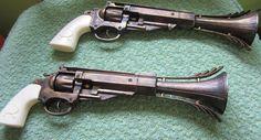 Steampunk Cosplay Gothic Victorian Antique Pistol Prop Guns Set of Two Steampunk Pistol, Steampunk Gears, Steampunk Cosplay, Steampunk Gadgets, Steampunk House, Steampunk Accessories, Movie Props, Fantasy Weapons, Victorian Gothic