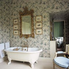 Wallpaper might just be what you need to achieve a Victorian look in your bathroom.