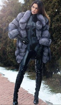 Catsuit, boots, and silver fox jacket Latex Fashion, Fur Fashion, Fashion Beauty, Thigh High Boots, High Heel Boots, Leather Gloves, Leather And Lace, Sexy Stiefel, Leder Outfits