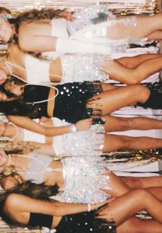 Nida 🧚🏼‍♀️ - Aesthetic - You are in the right place about Retro Style winter Here we offer you the most beautiful pictures about the Retro Style background you are looking for. Boujee Aesthetic, Bad Girl Aesthetic, Aesthetic Collage, Aesthetic Vintage, Aesthetic Photo, Aesthetic Pictures, Aesthetic Outfit, Aesthetic Clothes, Summer Aesthetic