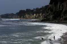 For some Malibu surfers, hitting the waves means first crossing the parking lot at privately operated Paradise Cove, a restaurant that faces the public beach