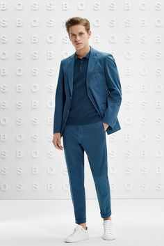 The BOSS Menswear Prefall 2019 collection Male Style, Men Style Tips, Men's Style, Autumn Style, Spring Style, Monochrome Outfit, Hugo Boss Man, Latest Mens Fashion, Suit Fashion