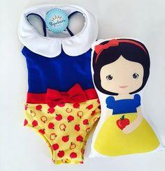 O dia das crianças está chegando e a brincadeira à caráter é muito mais divertida!!! Para nossas #princesas, maiô + almofadinha Branca de Neve 89.90. #pequelucci #amopequelucci #brancadeneve #fashiongirls #minidivas #fofura #colecaoprincesaseherois #modainfantil #modapraia #cute #love #promocao