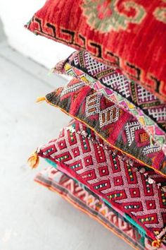 colorful decorative throw pillows made from moroccan textiles   home decor + decorating ideas
