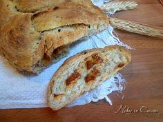 Treccia di pane ai pomodori secchi