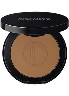 Merle Norman Bronzing Powder (Poolside) Perfect for light-medium skin colors like mine.