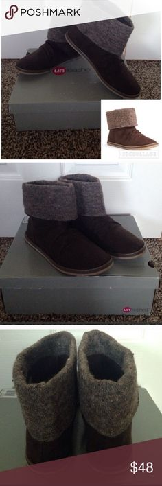 Rocket Dog ankle boots Unleashed by Rocket Dog dark brown ankle boots. Fold-down shaft Flat sole. Fabric upper. Microfiber lining Slip-on. Padded footbed. Comes New in Box. Rocket Dog Shoes Ankle Boots & Booties