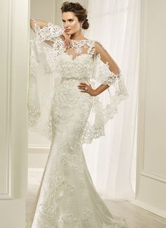Love this timeless lace wedding dress, can you see yourself getting married in this?! We bring you the loveliest of LACE wedding dresses straight from the latest and greatest bridal collections for 2017 and 2018!