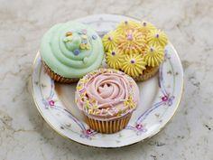 Hen activities - cake classes London