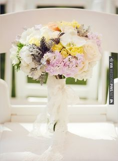 pastel wedding bouquet | VIA #WEDDINGPINS.NET