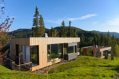 Gallery of Deluxe Mountain Chalets / Viereck Architects - 15