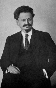 Leon Trotsky, is de op volger van Lenin. en leide de  sovjet unie sinds jan 11, 1928.