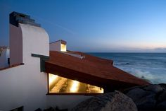 Image 26 of 29 from gallery of Boa Nova Tea House by Alvaro Siza Through the Lens of Fernando Guerra. Photograph by Fernando Guerra Portugal, Famous Buildings, Building Exterior, Sustainable Architecture, Source Of Inspiration, Design Projects, Swimming Pools, Tea, Mansions