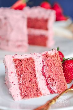 Fresh strawberry cake made with real strawberries (no Jell-O) Strawberry Cake From Scratch, Homemade Strawberry Cake, Strawberry Cake Recipes, Cake Recipes From Scratch, Cake Mix Recipes, Dessert Recipes, Strawberry Filling Cake, Strawberry Buttercream Frosting, Buttercream Cake