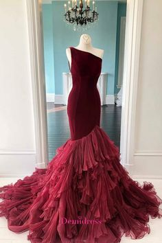 Mermaid One Shoulder Burgundy Evening Dress.The professional tailors from wedding dress manufacturer custom this mermaid evening dress with any sizes and many other colors.Contact us to custom fashion evening dress,fitted prom dress online. Burgundy Evening Dress, Black Evening Dresses, Cheap Evening Dresses, Mermaid Evening Dresses, Evening Gowns, Burgundy Gown, Mermaid Gown Prom, Trumpet Dress Prom, Maroon Dress