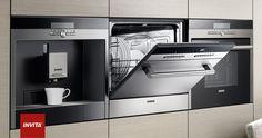 Hos Invita er vi eksperter i Siemens Hvidevarer. Siemens PLUS Produktserien har alle de produkter, der skal bruges til køkken og bryggers. Med rene linjer, et gennemgående design og nye funktioner viser Siemens tydeligt vejen til fremtidens køkken. Sortimentet af indbygningsapparater fra Siemens sætter en helt ny standard for køkkener.