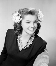 Esther Williams   JULY 1943   #vintage #1940s #hair #makeup