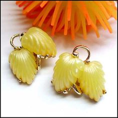 Lisner Jewlery Vintage Earrings 1960s Yellow Lucite Clips $28