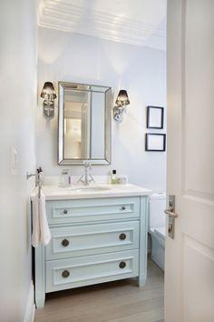 Keep Bathroom Clean Longer - Bathroom Cleaning Tips
