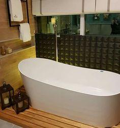 100 inspirações de banheiros com banheira para você suspirar