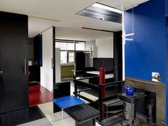 https://i.pinimg.com/236x/e7/53/82/e753826a5b1cb02180347cd4af9d4cc6--famous-architecture-house-interiors.jpg