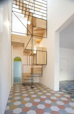 the-amazing-staircase-in-casa-g-2
