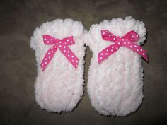 Tricks of the Trade: Free Loom Knitting Template for Newborn Baby Mittens