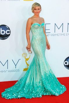 Julianne Hough Mermaid one of the most beautiful gowns EVER. Evening Dresses, Prom Dresses, Formal Dresses, Wedding Dresses, Oscar Dresses, Mermaid Dresses, Beautiful Gowns, Gorgeous Dress, Pretty Dresses