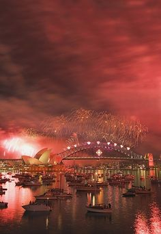 New Year's Eve fireworks in Sydney. Actually saw these to ring in the 2008 new year. Had a beautiful view... It was amazing.