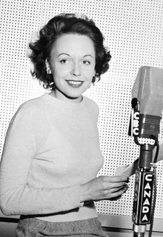 """Mary Jane Michelle Tisseyre (née Ahern), the first woman to present a """"Grand Journal"""" newscast for CBC French services (Radio-Canada), was born in Montreal. Tisseyre also hosted the very first talk show in Canada. Lionel Groulx, Robert Charlebois, Jean Marie, Women In History, Portrait, Celebs, France, Feelings, Music"""