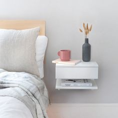 Are you interested in our Floating bedside table ? With our wall mounted bedside you need look no further. Bedside Shelf, Bedside Drawers, Floating Nightstand, Nightstand Ideas, Wall Mounted Bedside Table, Cool Bedside Tables, Bedside Table Styling, Floating Drawer, Bedside Table Decor
