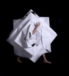 Origami + Fashion : Mauricio Velasquez Posada's origami-like paper garments
