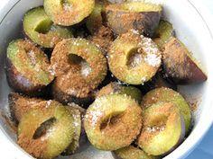 .: Galuste cu prune din aluat cu cartofi Dumplings, Doughnut, Deserts, Food, Home, Sweets, Gumbo, Essen, Postres