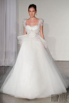 マルケッサ [Marchesa] 2013-14秋冬 - ウェディングドレス - http://ja.flip-zone.com/fashion/bridal/the-bride/marchesa