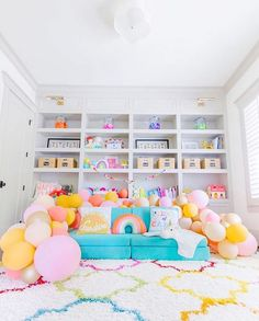 Fantastic 38 Inspiring Girl's Playroom Design Ideas Girls' playroom should be a room in the house where a girl can have fun and enjoy having their own space. Most parents love that they can get their child's toys. Playroom Design, Playroom Decor, Kids Decor, Colorful Playroom, Playroom Ideas, Playroom Colors, Playroom Organization, Nursery Ideas, Decor Ideas