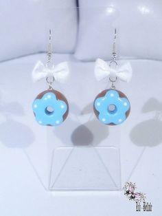 Boucles d'oreille gourmandes Donuts bleu en fimo : Boucles d'oreille par atelier-de-lili