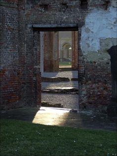 http://in-errances.blog.lemonde.fr/files/2011/08/doors.jpg