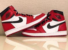 "Air Jordan 1 Retro High OG ""Bulls"" - SneakerNews.com"