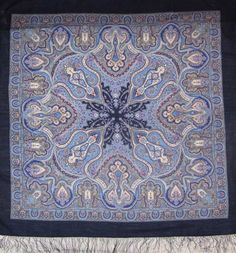 Pavlovsky Shawl Spanish is a large size shawl with silk fringe, it is made of 100% wool at the Pavlovo-Posad shawl factory in Russia